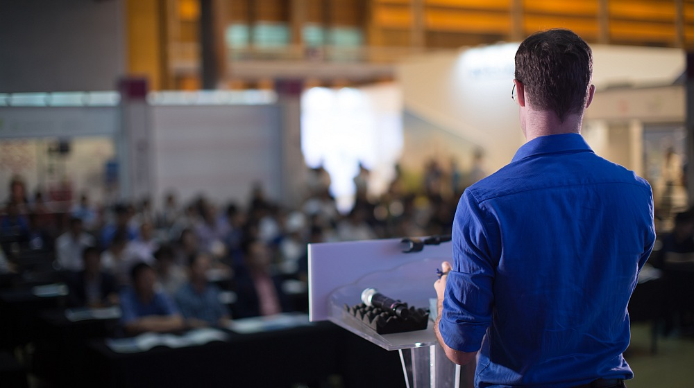 Feature | Effective Public Speaking Tips to Boost Your Confidence